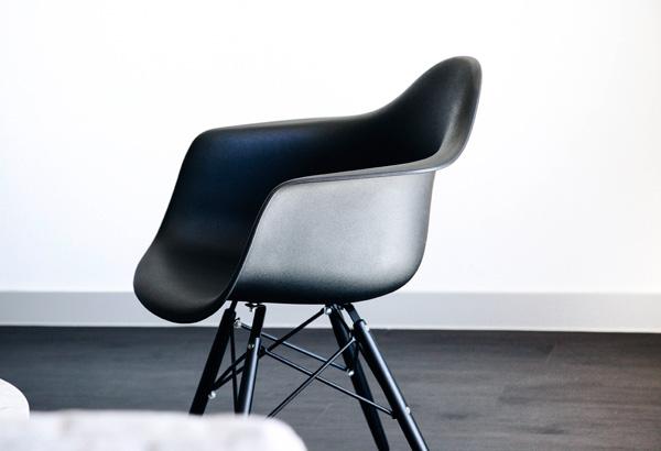 Eames Chair schwarz
