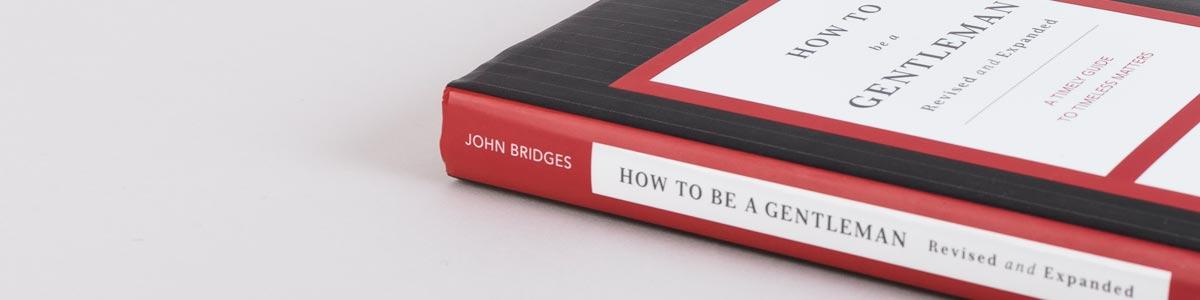 Das Buch How To Be A Gentlemen von der Seite